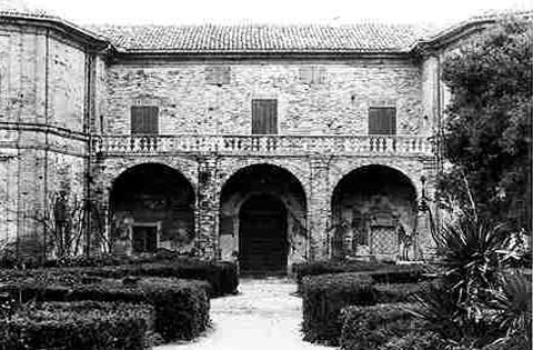 Villa Montegallo vista posteriore